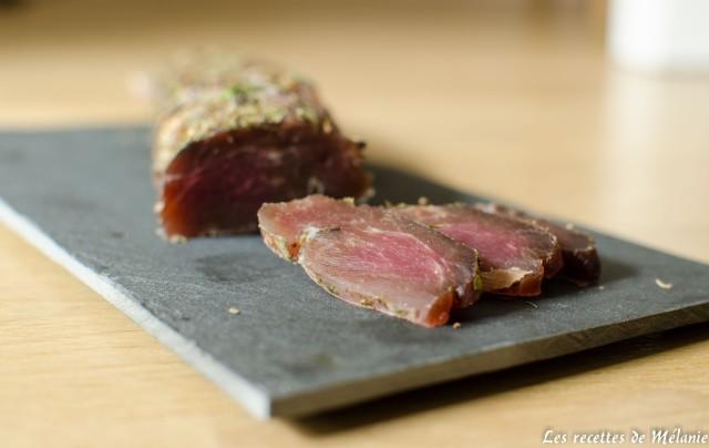 Filet mignon de porc séché aux herbes pour l'apéritif